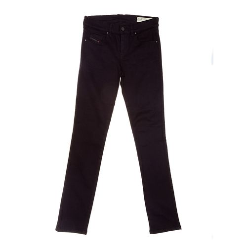 MUJERES-JEANS_0SFXN0800R00002_NEGRO_1.jpg
