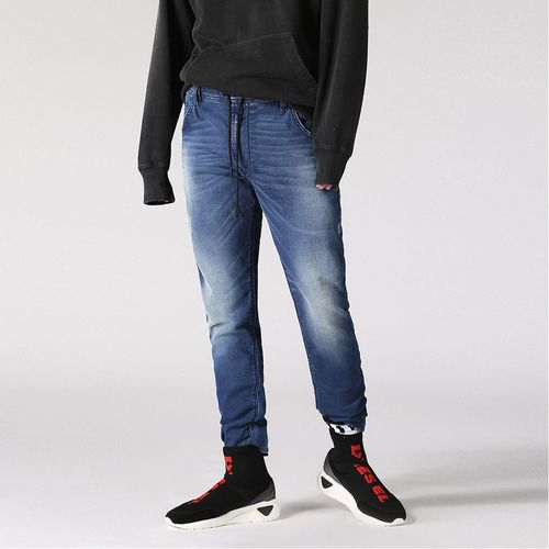 Jeans-Hombres_00CYKICN003_1_1.jpg