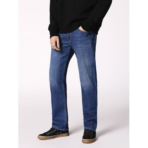 Jeans-Hombres_00S11B084RM_1_1.jpg