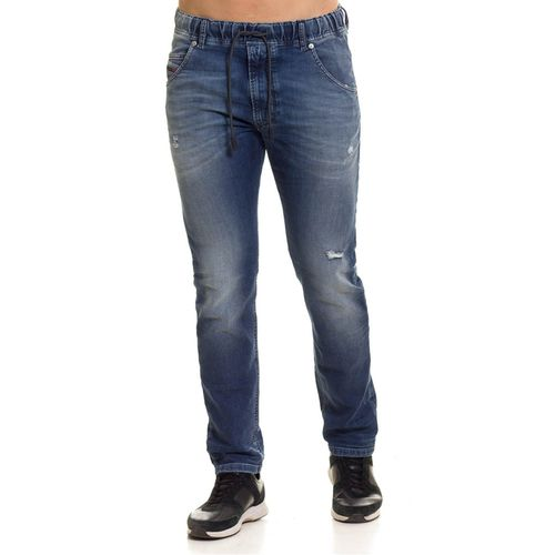 Jeans-Hombres_00CYKI0683r_01_1.jpg