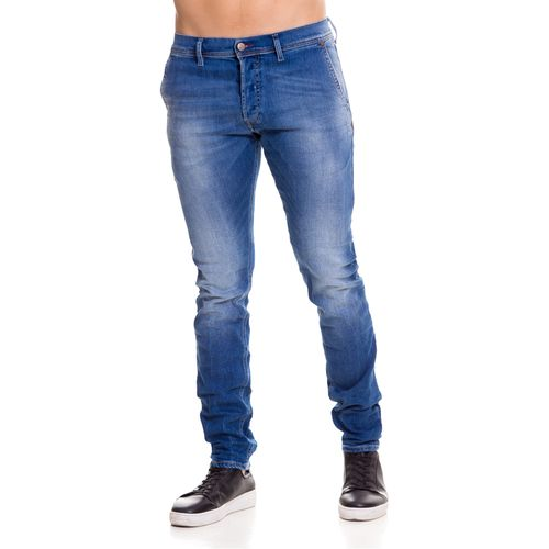 Jeans-Hombres_00CQ9H084IE_01_1.jpg