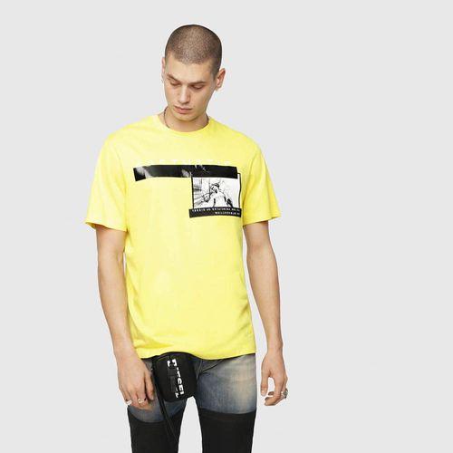 Camisetas-Hombres_00SNRF0HARE_21H_1.jpg